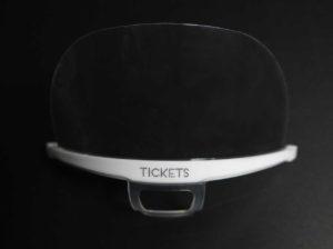 Máscara facial protectora transparente con base blanca personalizada tickets restaurant